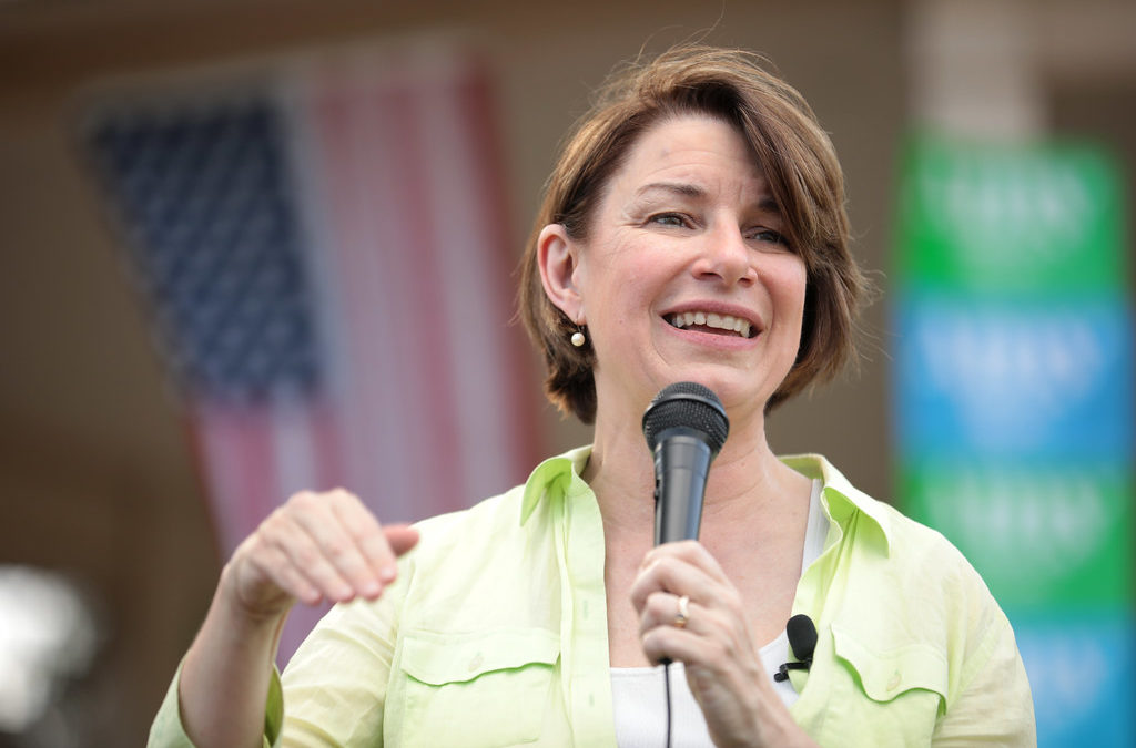 Klobuchar drops out of 2020 campaign, endorses Biden